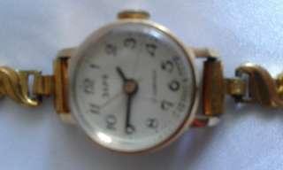 Антикварные наручные часы title=