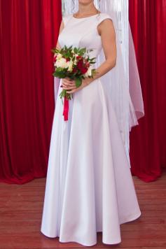 Свадебное платье белое. Атлас. Весільна сукня.