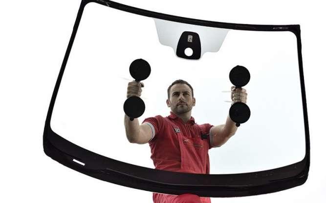 Мастер по замене автомобильных стекол