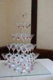 Піраміда з шампанського і не тільки title=