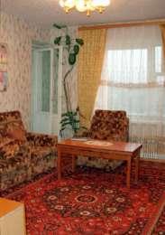 Продам 2-х комнатную квартиру в новом районе (9 м-рн) г. Рубежное  title=
