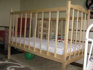 Детская кроватка title=
