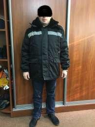 Куртка зимняя с капюшоном Север черная - продажа все в наличии title=