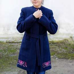 Оригінальне пальто для жінок.  title=