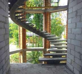Виготовлення залізобетоннних сходів швидко, якісно і з гарантією. Бю title=