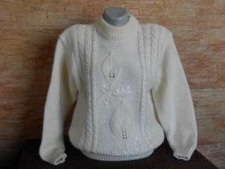 Вязаный женский свитер р.48-50