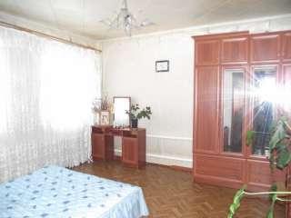 Продам уютно семейный дом в Змиеве. title=