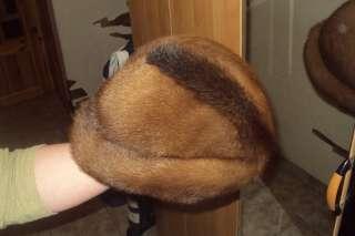 Женская норковая шапка в форме шляпы title=