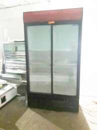 Шафи холодильні вітрини бв гарний стан під пиво, воду, квіти 300-800л title=