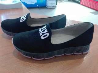 продаю  обувь title=