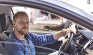 Водитель такси в Литву title=