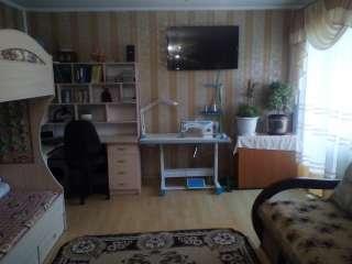 Продам 1-кімнатну квартиру в центрі. title=