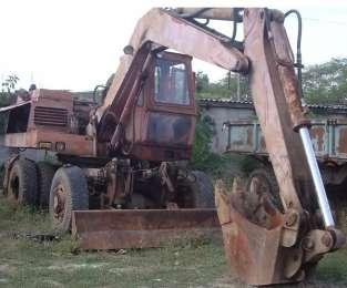 Продаем колесный экскаватор ЭО-33...