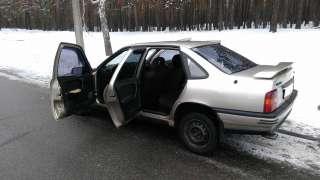 Продам Opel Vectra A 1,6 i. 1990