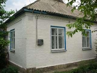 Масловка. Кирпичный дом при въезде в село от Мироновки. title=