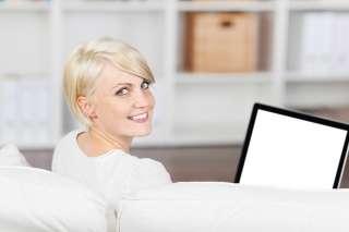 Вакансия-сотрудница в интернет-магазин. title=