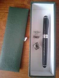 Подарочный набор запонки перьевая ручка,запанки,перьевая ручка
