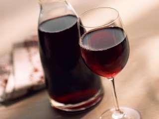 Вино красное, Натуральное, Домашнее title=
