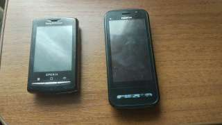 Nokia c6-00 Sony Erocsson Xperia u20i title=