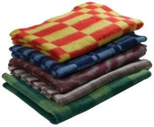 Одеяло полушерстяное, матрацы, подушки, постельные комплекты