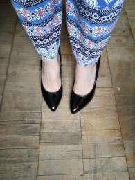 Классические черные лакированные кожанные туфли с крассной подошвой