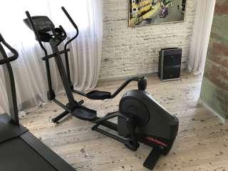 Эллиптический кросс-тренажёр (орбитрек) Life Fitness X3i