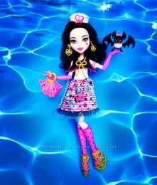 кукла Monster High Дракулаура с питомцем Shriek Wrecked title=