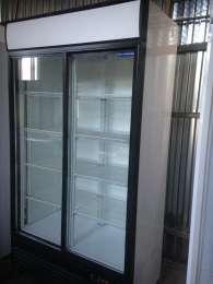 Хорошее состояние! Шкафы витрины холодильные бу. Недорого в г.Ромны title=
