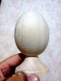 Яйцо деревянное 13.5 см на подставке