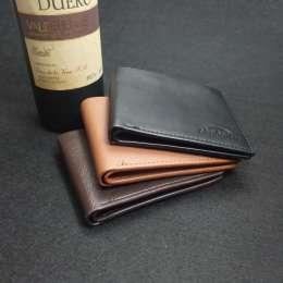 Бизнес бумажник из искусственной кожи с карманом для монет.