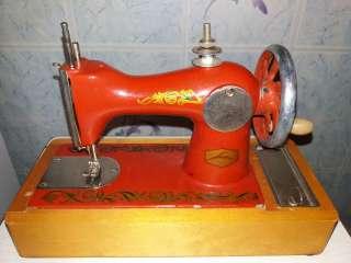 Детская швейная машина ДМШ-1  title=