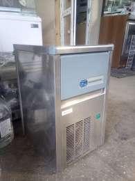 Продам б/у льдогенератор для кафе, бара, ресторана, пиццерии