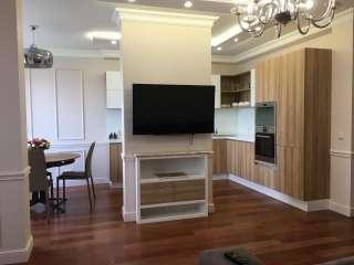 Продажа квартиры в новом доме с новым ремонтом на Подвысоцкого.