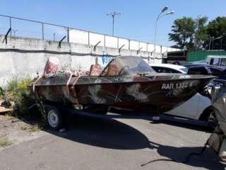 Моторная лодка Ладога с лафетом и мотором