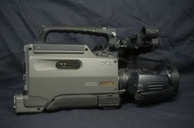 Видеокамера Sony DSR-250P профессиональная камера