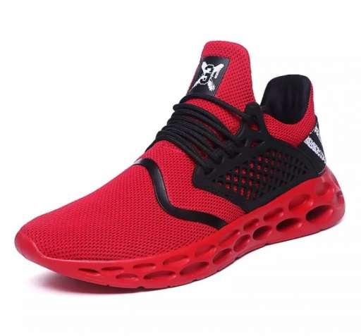 Продам модные кроссовки