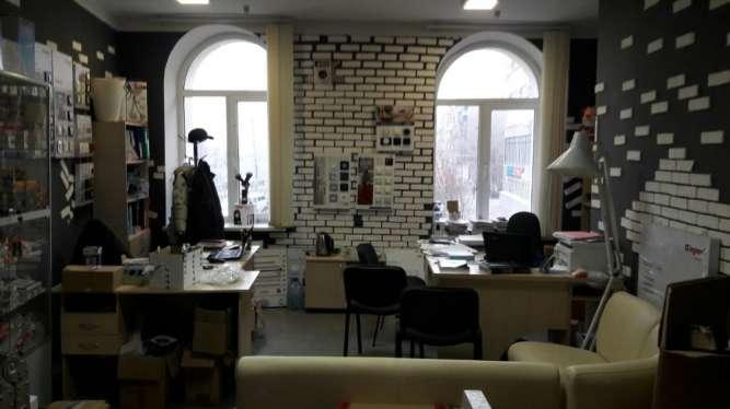Сдам офис 26,4 м2 в центре,рядом м. Архитектора Бекетова!