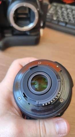 Nikon D5500 + kit 18-55 + бустер с 2-мя аккумуляторами