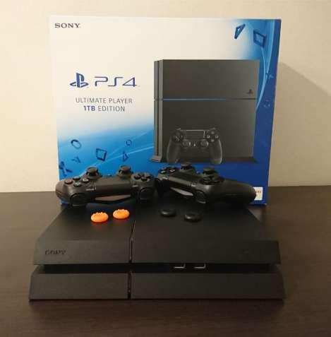 Sony PlayStation 4 1 Tb+2 Dualshock 4