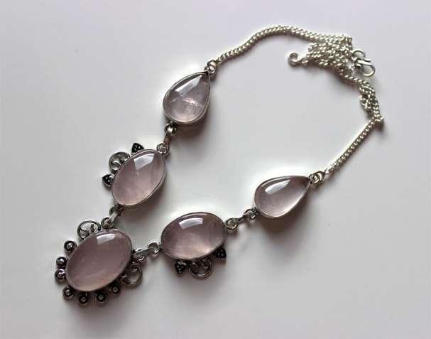 Серебряное ожерелье с розовым кварцем, розовый кварц