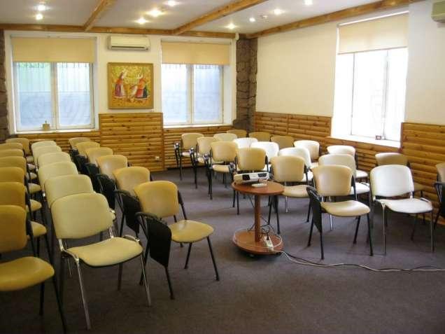 Конференц-зал на Печерську (до 40 осіб) оренда / аренда