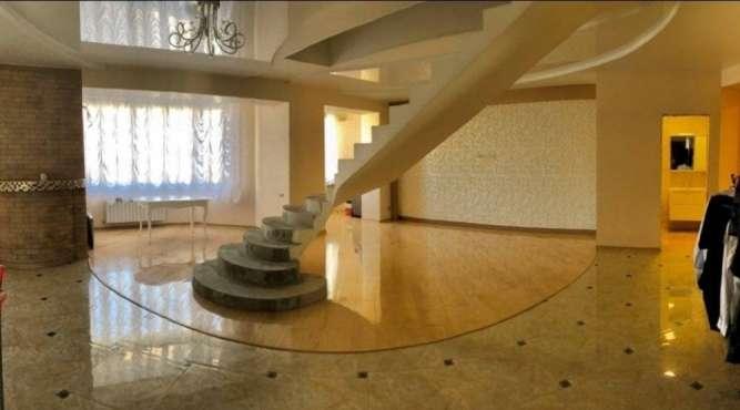 Продаётся шикарная 2-х уровненная квартира