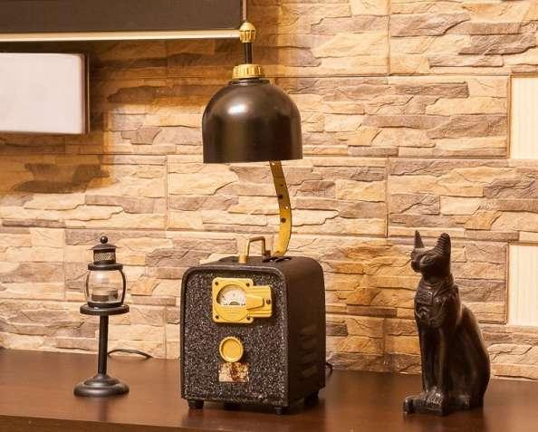 Оригинальный настольный светильник Loft.