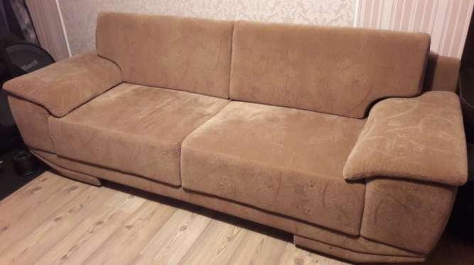 """Продам  качественный диван """"Командор""""  ЛИВС(находка для высоких людей)"""