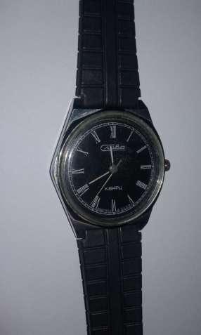 Часы Слава,  кварцевые Сделано в СССР