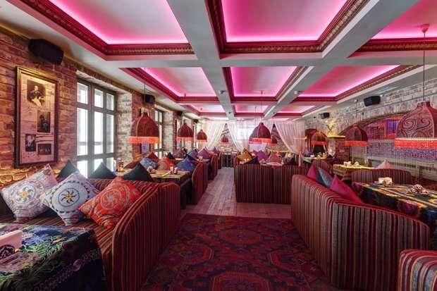 Администратор зала в бар-ресторан