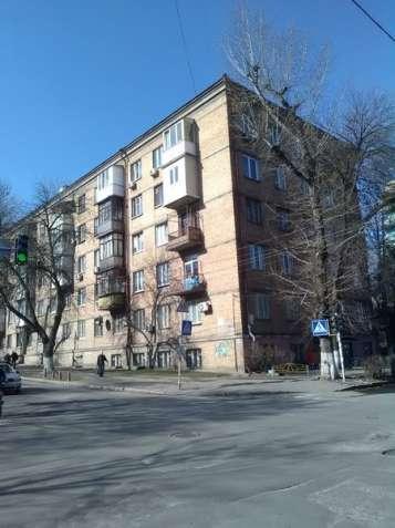 2-комн.сталинка 55 м.кв возле Кирилловской церкви