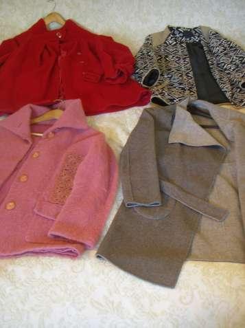 4 женских демисезонных пальто б/у.