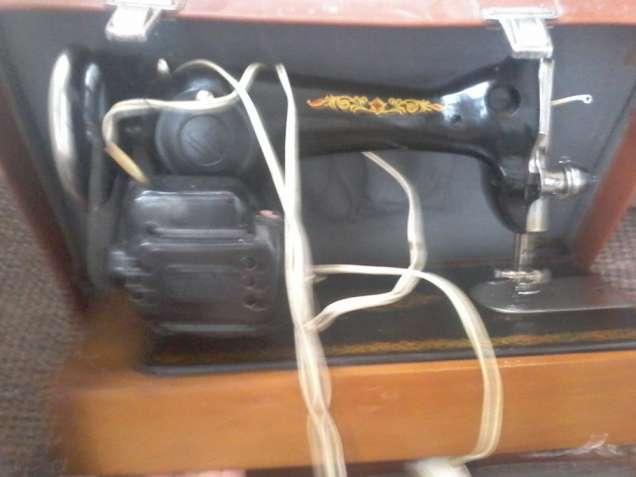 Швейна машинка 2м-35 з документацвєю ТОРГ!!!!