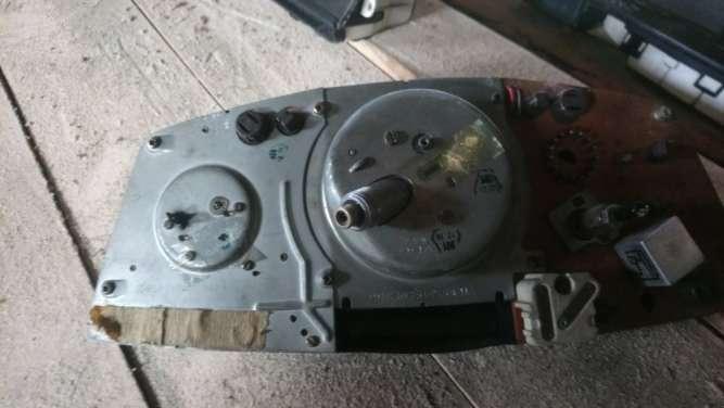 Mercedes W123 спидометр приборный щиток. Tacho Clock 87 001 050 - зображення 3